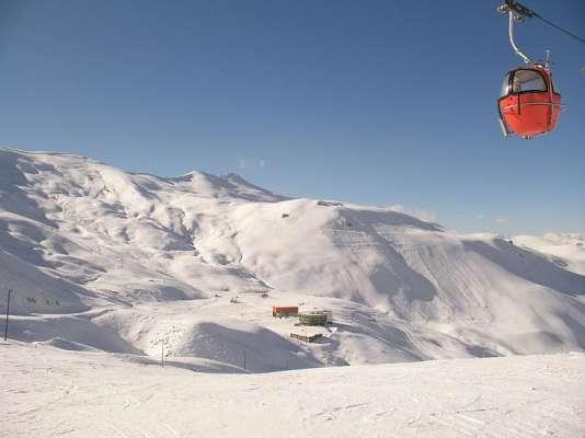 Dizin, station de ski proche de Téhéran, en Iran.