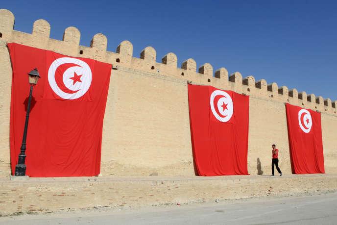 Dans la nouvelle démocratie tunisienne, tout consommateur ou détenteur «de plantes ou matières stupéfiantes» «à usage de consommation personnelle» encourt une lourde peine d'emprisonnement et une amende.