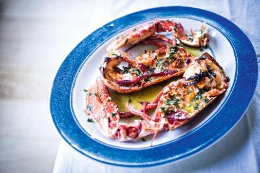 Des homards femelles, du beurre et du calvados : la base de la recette de Sophie Mise.