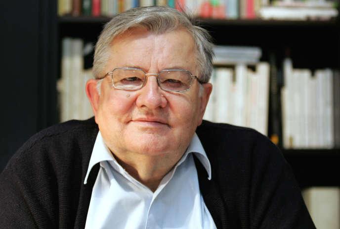Jean-Marie Pelt, pharmacien, botaniste et écologiste, est mort le 23 décembre à l'âge de 82 ans.