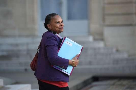 La ministre de la justice, Christiane Taubira, le 23 décembre lors de sa sortie du conseil des ministres à l'Elysée.