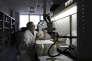 Dans les laboratoires de Carmat, où a été mis au point le coeur artificiel. Velizi, septembre 2009.