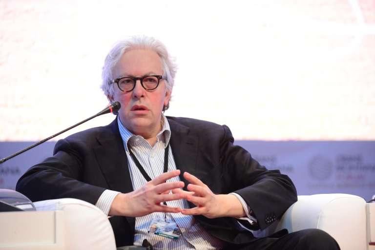 """Guy Zilberstein, lors d'une conférence au Forum Crans-Montana, à Genève où il s'est exprimé comme """"conseiller spécial du président de la république française""""."""