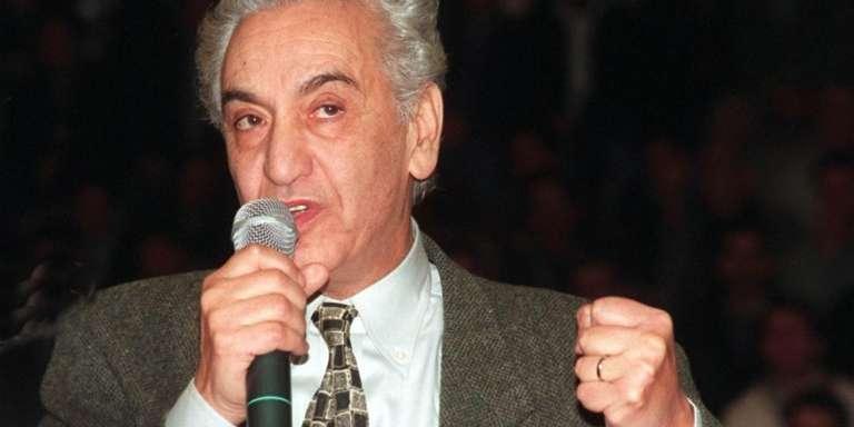 Hocine Aït-Ahmed, en février 1999 à Alger, durant sa candidature à l'élection présidentielle.