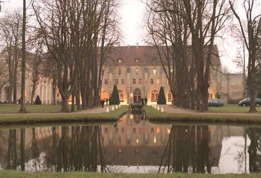 Vue d'ensemble de l'abbaye de Royaumont dans le Val-d'Oise.