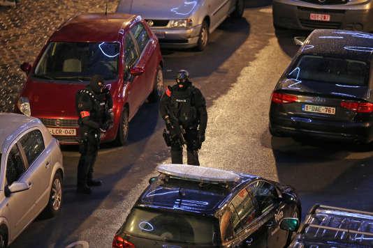 L'enquête sur les attentats du 13 novembre se poursuit à Bruxelles.