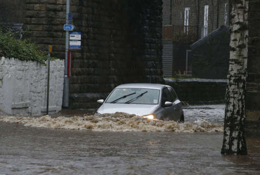 La ministre de l'environnement, Elizabeth Truss, a reconnu que les mesures de protection contre les inondations s'étaient révélées « inefficaces ».