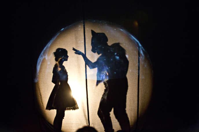 Alice et autres merveilles, mise en scène  de Emmanuel Demarcy-Mota. Théâtre de la Ville.