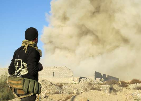 Un soldat de l'armée irakienne à Ramadi, le 27 décembre 2015.