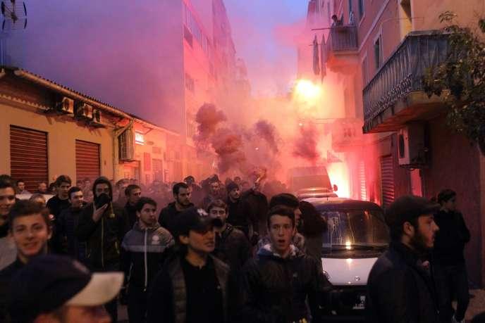 Manifestation à proximité de la préfecture de région à Ajaccio, samedi 26 décembre.