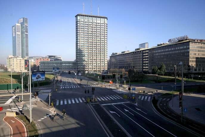 La ville de Milan vidée de ses voitures, le lundi 28 décembre.