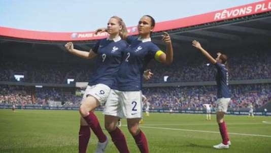 Les simulations de football existent depuis plus de quarante ans, mais il a fallu attendre 2015 et FIFA 16 pour que des footballeuses soient jouables.