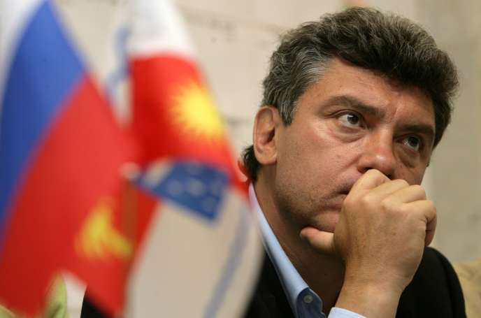 Boris Nemtsov, alors candidat de l'opposition à la mairie de Sotchi, lors d'une conférence de presse tenue en avril 2009.