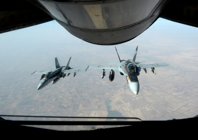 Des avions américains de la coalition internationale contre l'organisation Etat islamique en Syrie et en Irak, en octobre 2014.