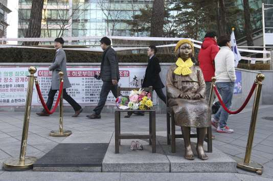 La statue devant l'ambassade japonaise à Séoul le 28 décembre.