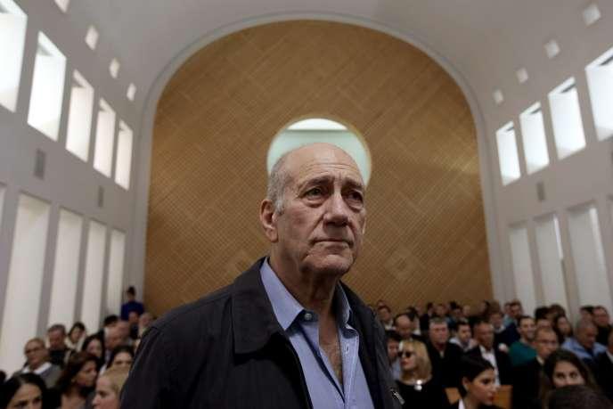 L'ancien premier ministre israélien Ehoud Olmert, lors du verdict de la Cour suprême à Jérusalem, le 29 décembre.