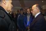 Le ministre de l'intérieur Bernard Cazeneuve s'est rendu mercredi 30 décembre en Corse afin d'afficher la fermeté de l'Etat après les fortes tensions qui ont eu lieu la semaine dernière.