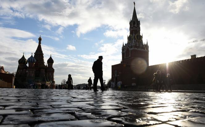 A Moscou, l'emblématique place Rouge, lieu de rassemblement traditionnel, sera pour la première fois fermée au public au moment.