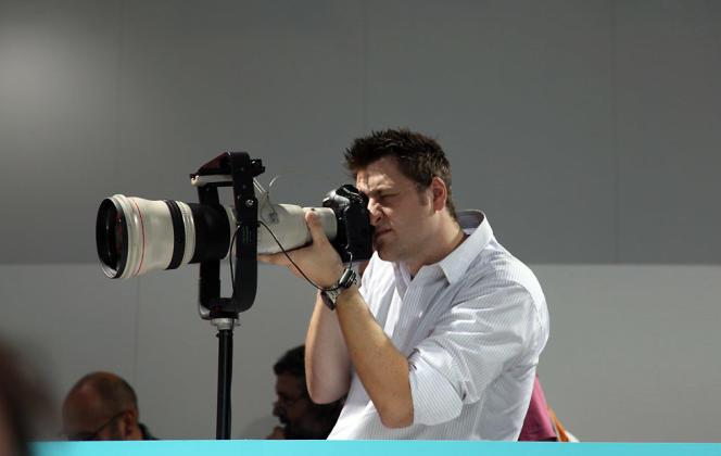 Dans des métiers passion tels que photographes, musiciens ou illustrateurs,  qui fonctionnent à la commande, il est souvent difficile de transformer son travail en monnaie sonnante et trébuchante.