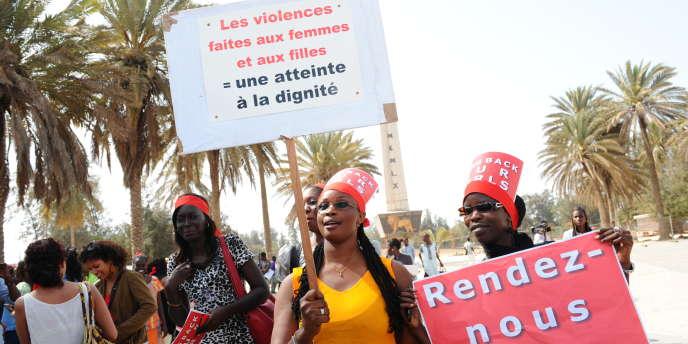 Une manifestation contre les violences faites aux femmes, Dakar, mai 2014.