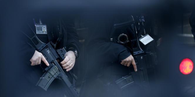 Il n'y aura que 2 800 policiers londoniens armés, sur 31 000.