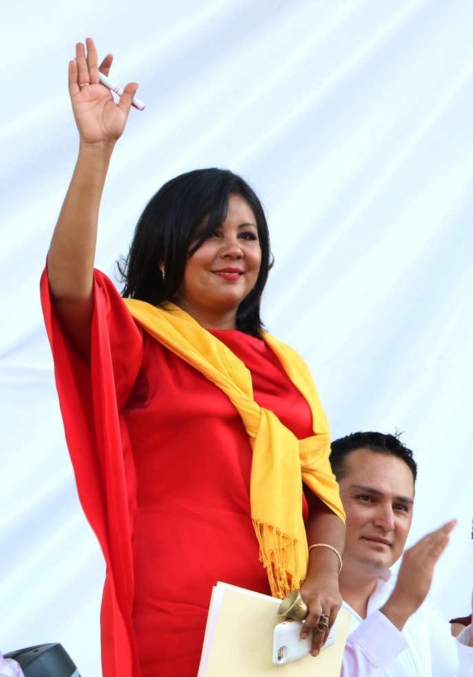 Gisela Mota lors de sa prestation de serment, le jour précédant son assassinat.
