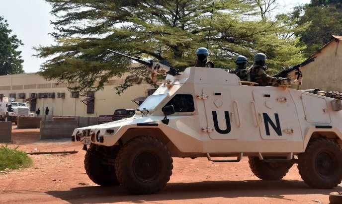Une patrouille de casques bleus de la Minusma à Bangui, en janvier 2016.