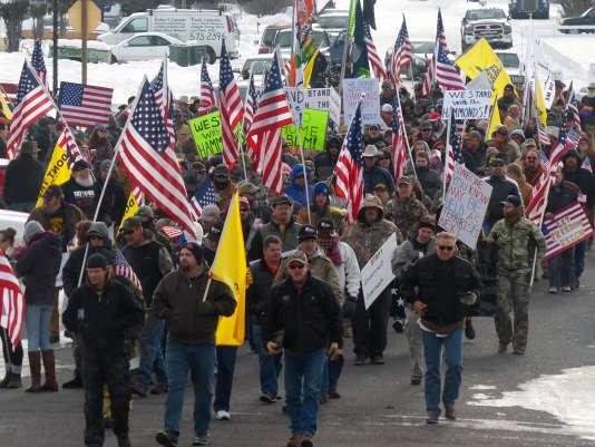 Manifestation de soutien à Dwight et Steven Hammond, à Burns, dans l'Oregon, le2janvier 2016.