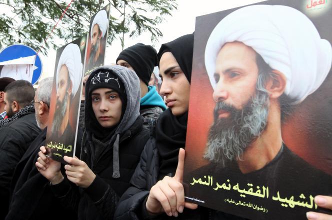 Manifestation à Beyrouth, le 3 janvier 2016, pour dénoncer l'exécution du cheikh chiite Al-Nimr par Riyad.