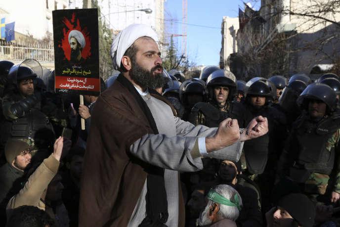Manifestation devant l'ambassade d'Arabie saoudite à Téhéran, le 3janvier.