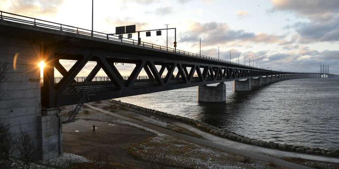 Migrants La Suede Et Le Danemark Introduisent Des