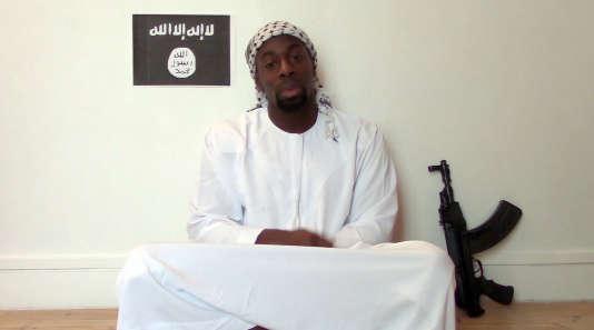 Amedy Coulibaly, dans une vidéo publiée en ligne le 11 janvier.