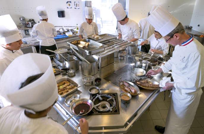 «Dans les années 1980, et pour la première fois depuis la seconde guerre mondiale, ce sont les méthodes de gestion des Japonais qui ont démontré leur supériorité sur les Etats-Unis» (Photo: cours de cuisine à l'Institut Paul-Bocuse, en 2013).