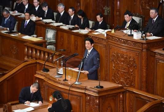 Le premier ministre japonais Shinzo Abe devant le Parlement à Tokyo, la Diète, le 4 janvier