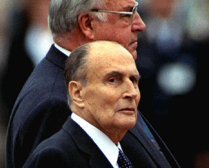 François Mitterand en septembre 1994 , lors d'une cérémonie au chateau de Charlottenburg.