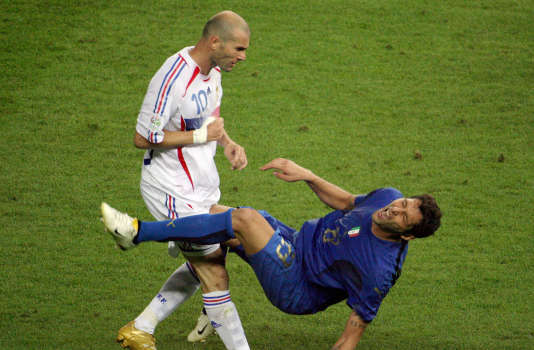 Le fameux « coup de boule » de Zinedine Zidane à Marco Materazzi, en finale de la Coupe du monde 2006.