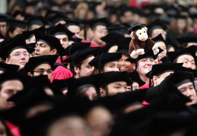 Des jeunes diplômés sur le campus de l'université d'Harvard aux Etats-Unis en 2008.