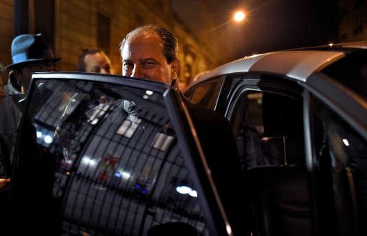 Jean-Christophe Cambadélis à la sortie du bureau national du Parti socialiste, rue de Solférino, à Paris, le 4 janvier 2016.