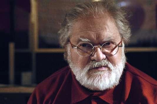 Portrait du pionnier de la musique électroacoustique Pierre Henry,  pris à Paris en Décembre 2007.
