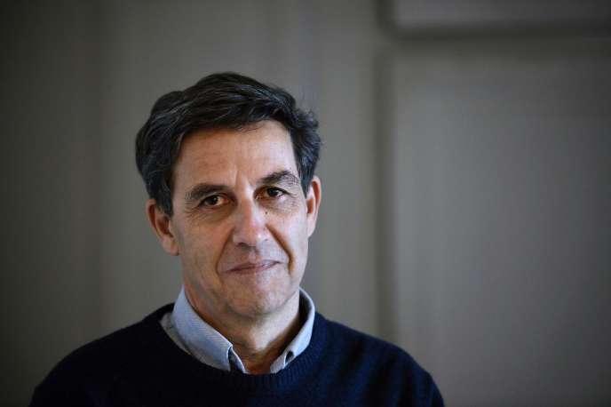 Dans «Qui est Charlie? Sociologie d'une crise religieuse», le démographe Emmanuel Todd a fustigé cette France «blanche» qui, le 11 janvier 2015, serait sortie dans la rue pour «définir comme besoin prioritaire le droit de cracher sur la religion des faibles».