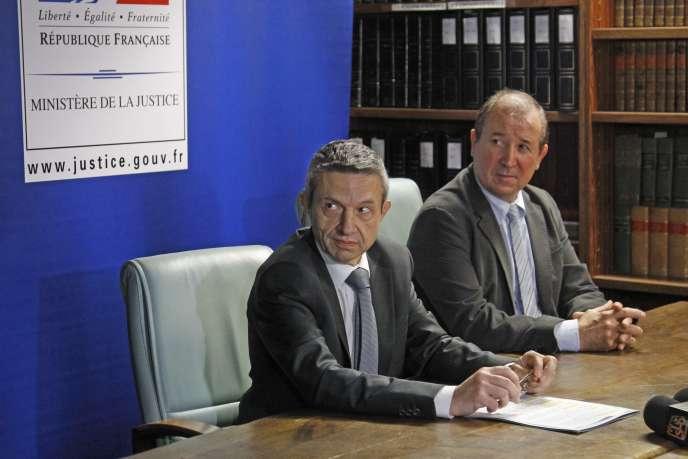 Le procureur de Perpignan Achille Kiriakides et le directeur de la police départementale en Pyrénées-Orientales, Yannick Janas, à une conférence de presse le 5 janvier 2016.