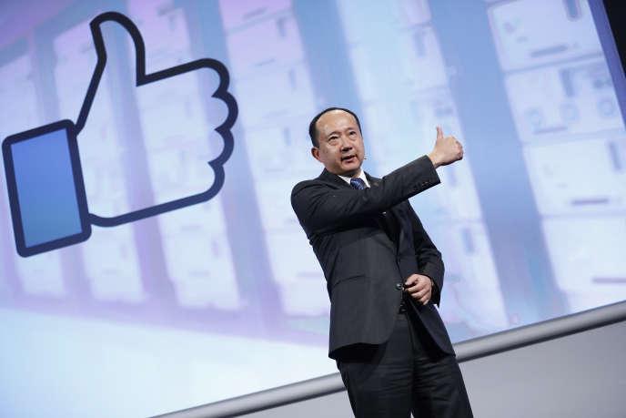 Yasu Enokido, président de Panasonic évoque les relations de son entreprise avec Facebook au cours d'une conférence au Consumer Electronics Show, à Las Vegas, le 5 janvier.
