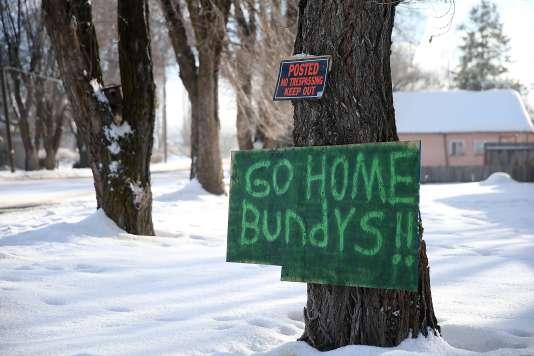 Le 6 janvier, une pancarte en signe de protestation à Ammon Bundy, leader du groupe armé anti-gouvernement, qui occupe un parc naturel de l'Oregon depuis le 2 janvier 2016.