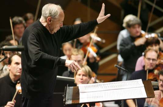 Le chef d'orchestre et compositeur Pierre Boulez en concert à Donaueschingen (Allemagne), le 17 octobre 2008.