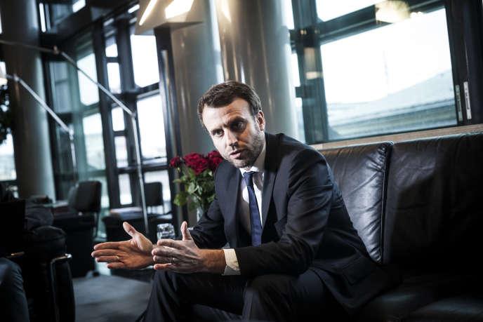 Emmanuel Macron, ministre de l'économie, à Bercy le 5 janvier.