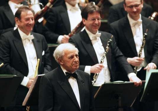 Le compositeur et chef d'orchestre Pierre Boulez en concert à Vienne, le 26 mars 2010.