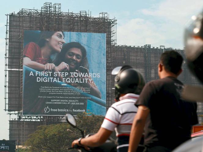 Une campagne publicitaire en Inde en faveur de Free Basics, le service d'Internet mobile de Facebook.