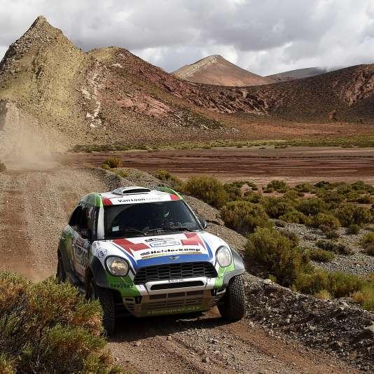 Les Mini sont à la peine lors de la 38e édition de ce Dakar.