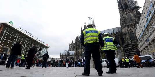 La police à Cologne, le 6 janvier, après les violences du Nouvel An contre les femmes.