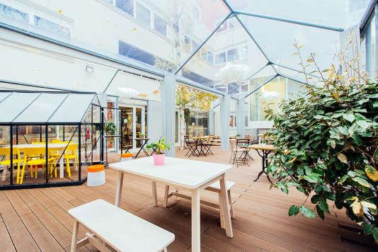 Dans le 13e arrondissement de Paris, l'un des établissements  de la chaîne Anticafé, qui mise sur la connexion et la décontraction.
